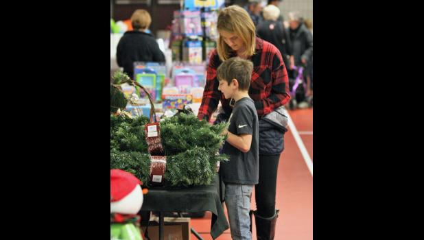 Shoppers had the chance to find that perfect gift at the vendor booths.